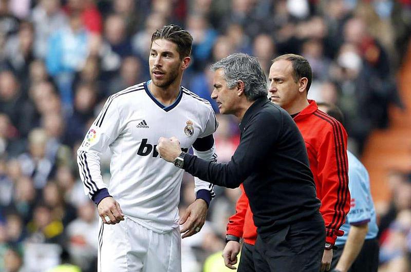 Bốn sao bự Real phản đối Mourinho ngồi lên 'ghế nóng'