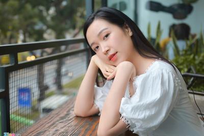 Nữ thủ khoa 9X trường Điện ảnh: 'Muốn một cảnh hôn với NSƯT Công Lý'