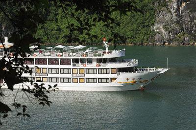 Siêu ưu đãi trên du thuyền Oriental Sails
