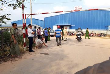 Bị xe container hất văng, bảo vệ tử vong trong khu công nghiệp