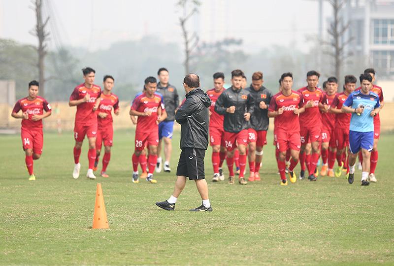 HLV Park Hang Seo phải nói lời chia tay với 3 cầu thủ. Ảnh S.N