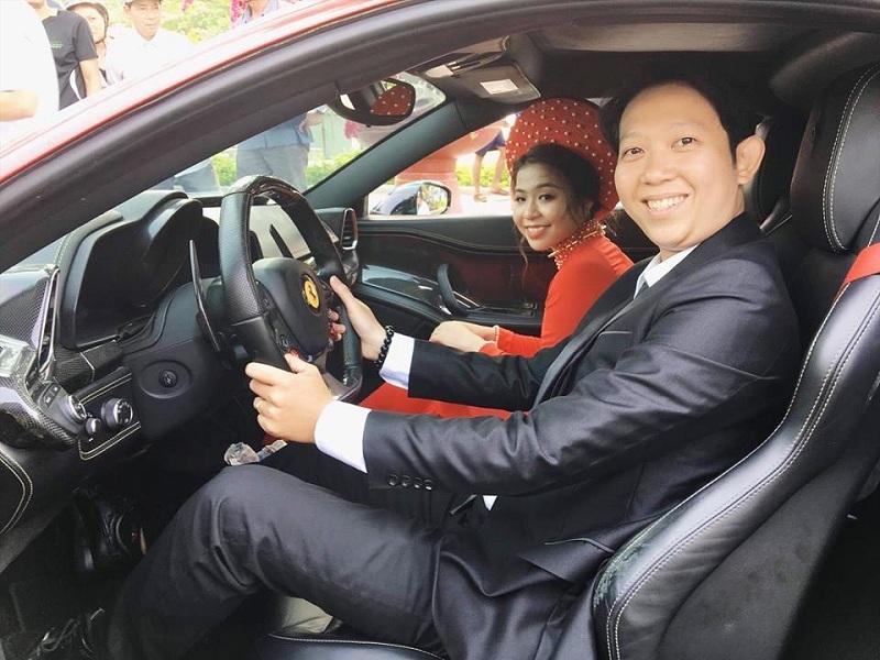 Đám cưới 'độc' nhất Quy Nhơn: Đoàn rước dâu diễu hành khắp phố