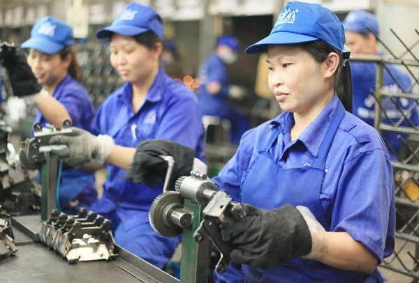 Công ty đòi phạt tiền khi người lao động làm mất đồ bảo hộ