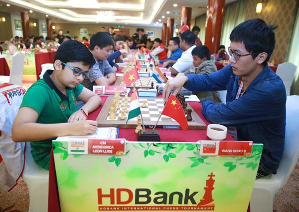 Wang Hao khẳng định đẳng cấp hạt giống số 1