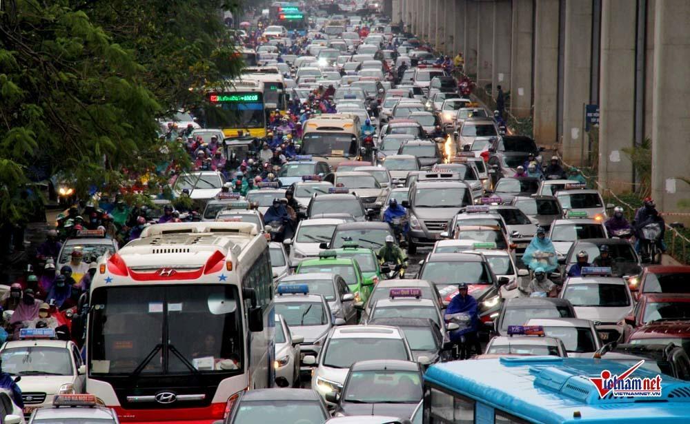Nản với giao thông Hà Nội, khách thuê văn phòng 'tháo chạy' khỏi trung tâm