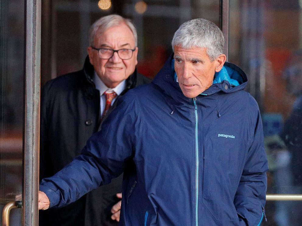 50 CEO và ngôi sao đối diện 65 năm tù vì 'chạy' vào đại học danh tiếng