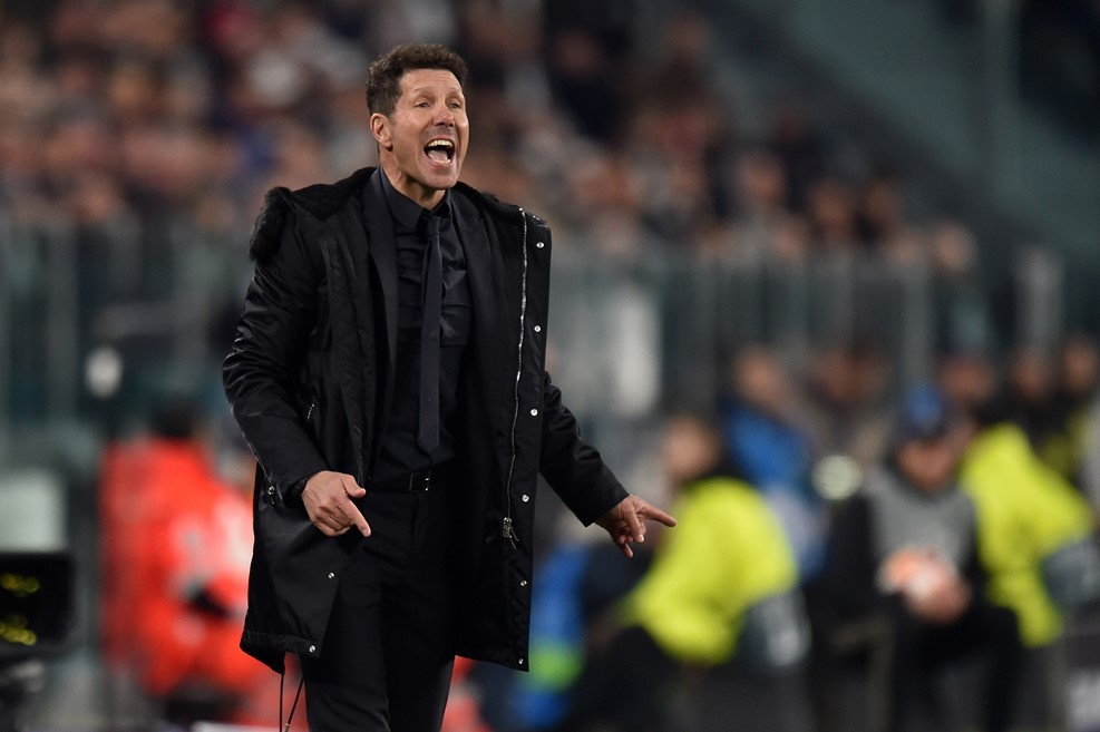 HLV Simeone ca ngợi Ronaldo, Griezmann cạn lời vì choáng