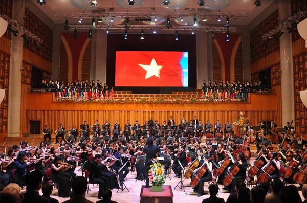VCCA tổ chức đêm hòa nhạc Giao hưởng mùa xuân