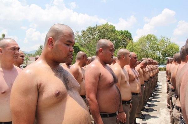 Cảnh sát béo phì Thái Lan 'hủy diệt mỡ bụng'