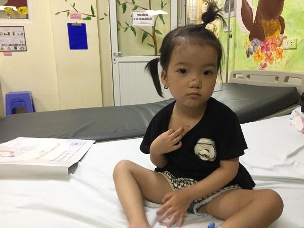mổ tim miễn phí,hoàn cảnh khó khăn,bệnh tim,từ thiện vietnamnet