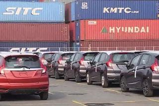 Ô tô nhập khẩu tăng tốc, chiếm lĩnh thị trường xe Việt Nam