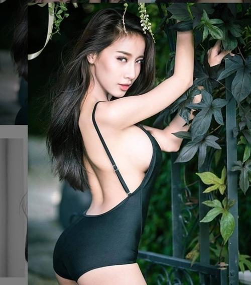 Những bộ bikini khoe trọn thân hình nóng bỏng của mỹ nhân Thái Lan