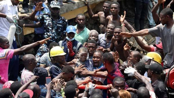 Sập trường tiểu học ở Nigeria, có thể thương vong lớn