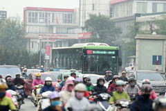 Cấm xe máy đường Lê Văn Lương: Cụ ông thốt lên, phi thực tế, sao họ làm được