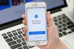 Facebook chết cứng: Mẹ bỉm sữa đau đớn mất chục triệu mỗi ngày