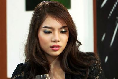 Thí sinh Hoa khôi sinh viên thất bại khi lên truyền hình tìm bạn trai