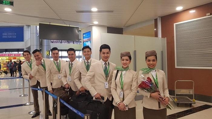 Tiết lộ bất ngờ của nữ tiếp viên hàng không Việt xinh đẹp, nóng bỏng