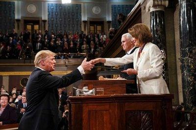 Chủ tịch Hạ viện Mỹ không ủng hộ luận tội ông Trump