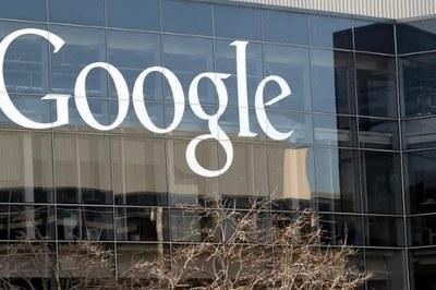 Vợ xóa tài khoản YouTube, chồng dọa đánh sập Google