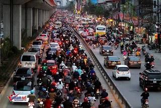 Cấm xe máy và những câu hỏi cho Hà Nội