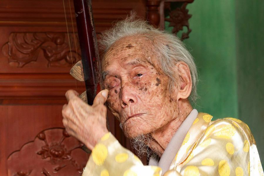 'Đệ nhất danh cầm' Nguyễn Phú Đẹ được phong tặng Nghệ nhân nhân dân