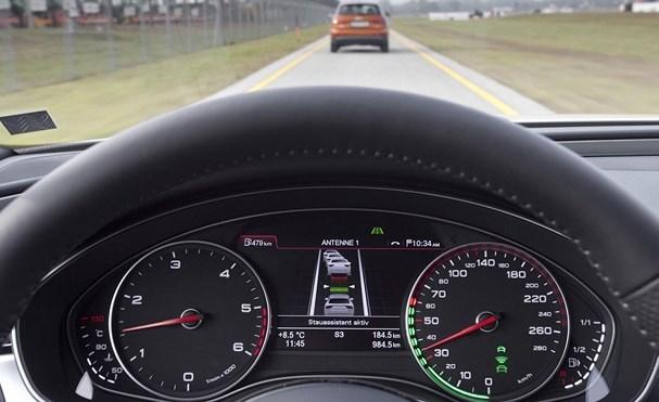 Sử dụng ga tự động ô tô thế nào để tiết kiệm xăng?
