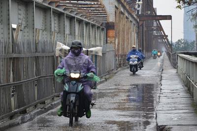 Dự báo thời tiết 15/3: Hà Nội mưa dông, trời trở rét