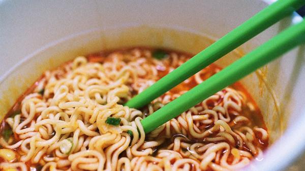 Thơm ngon, tiện lợi nhưng 6 thực phẩm này đang 'đầu độc' bạn mỗi ngày