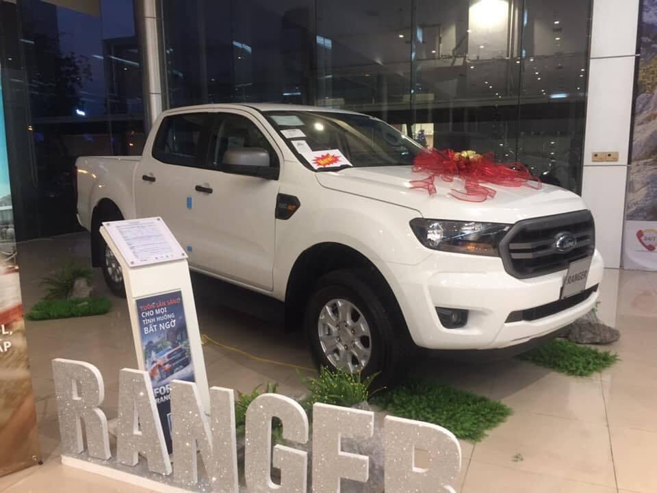 Xe bán tải: Dồn dập khách mua, đại lý không có mà bán