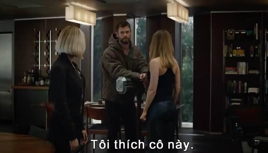 Thor ưng Captain Marvel ngay khi chạm mặt trong 'Avengers: Hồi Kết'