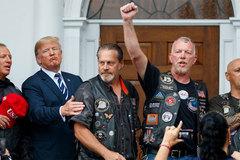 Ông Trump bóng gió cảnh báo phe Dân chủ