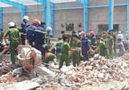 Bới đống đổ nát tìm nạn nhân vụ sập xưởng may, 5 người chết