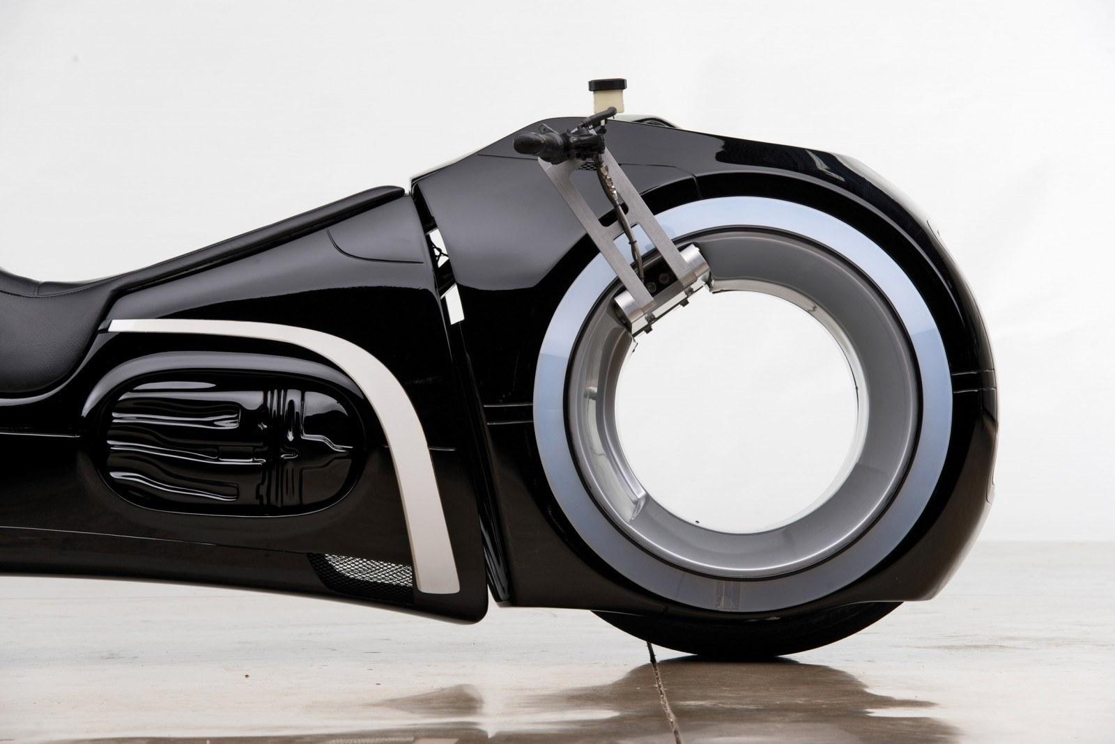 Khả năng đặc biệt của siêu mô tô 2,7 tỷ Đức 'Tào phớ' vừa mua
