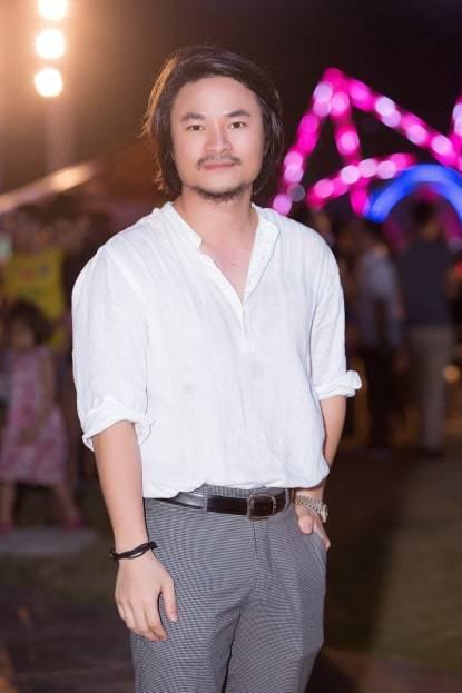 Việt Tú,đạo diễn Việt Tú,khởi kiện