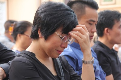 Thảo Vân ứa nước mắt khi con trai viết văn về chuyện mẹ đơn thân