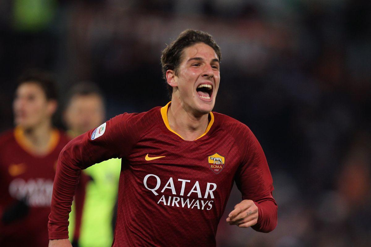 MU lôi kéo Ruben Neves, Real mua Totti mới
