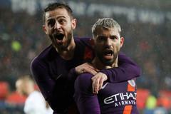 Aguero bừng sáng, Man City ngược dòng thắng nghẹt thở
