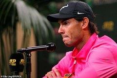 """Nadal """"dâng"""" vé chung kết Indian Wells cho Federer"""