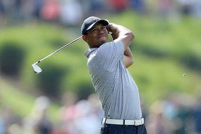 The Players: Jon Rahm chiếm đỉnh bảng, Tiger Woods tụt sâu