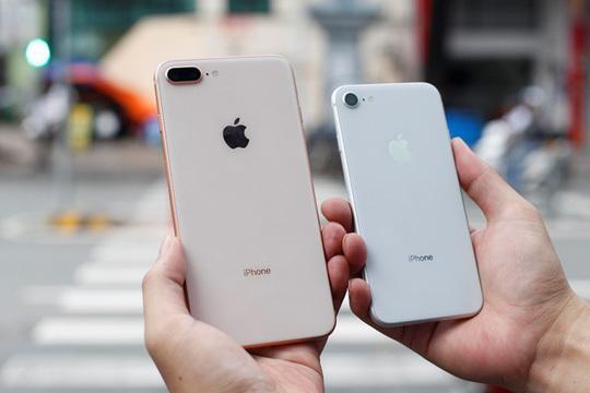 Iphone 8 kém sang, không có nhiều thay đổi so với iphone 7 nên ít được người tiêu dùng để ý.