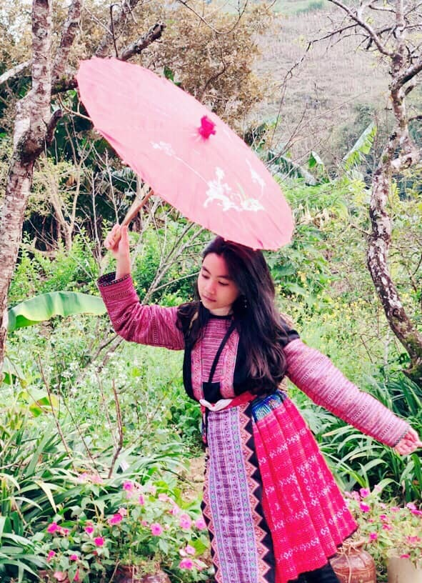Nhan sắc gây chú ý của hai con gái MC Quyền Linh