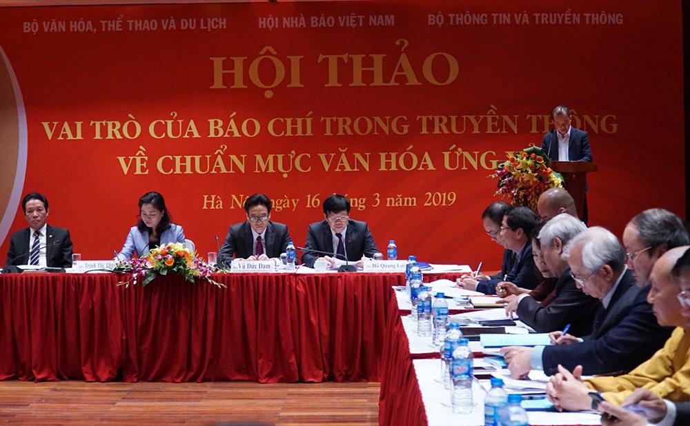 Người Việt sĩ diện, khoe khoang, dễ chán nản khi gặp khó