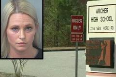 Cô giáo Mỹ bị bắt giữ vì nhiều lần quan hệ với học sinh 17 tuổi
