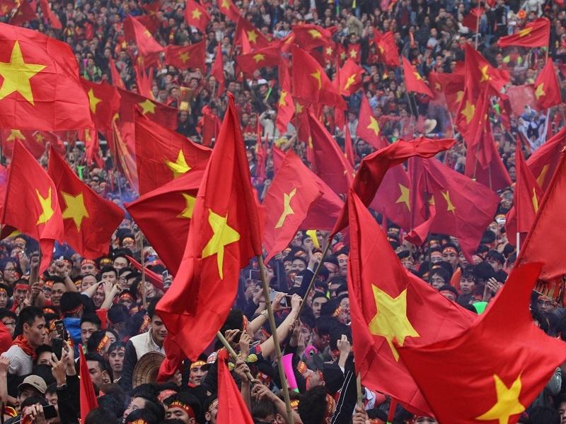 Việt Nam hùng cường,Tụt hậu là hiện hữu,kinh tế thị trường,định hướng xã hội chủ nghĩa,tham nhũng