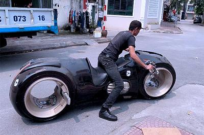 """Khả năng đặc biệt của siêu mô tô 2,7 tỷ Đức """"Tào phớ"""" vừa mua"""
