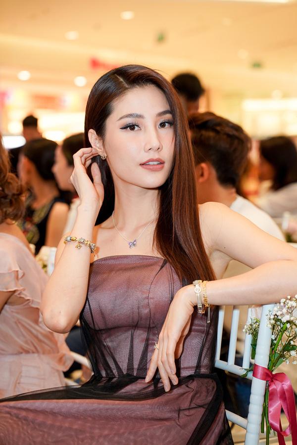 Diễm My 9X: Sau hai năm yêu xa muốn có bước tiến mới với Việt kiều Úc