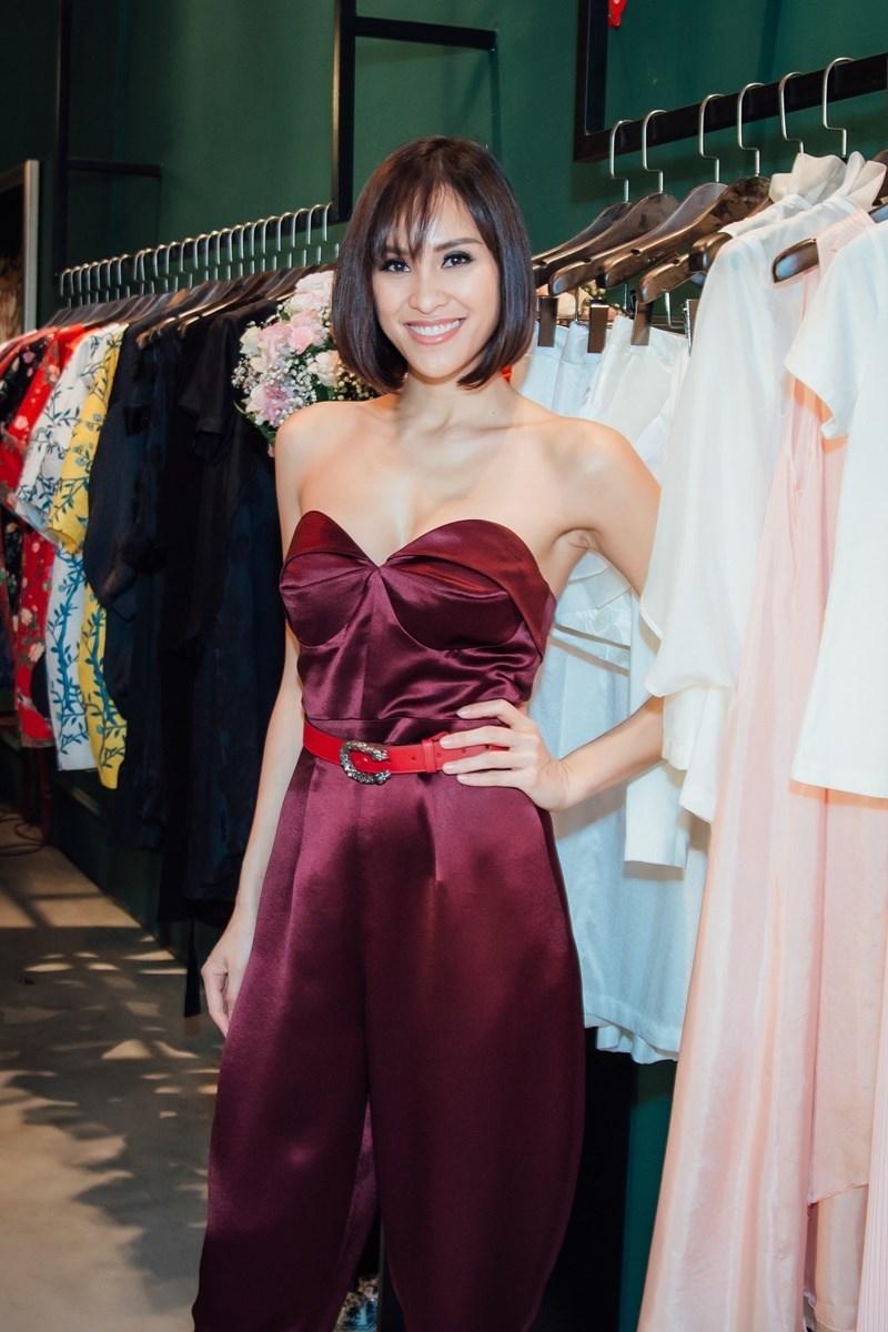 Hoa hậu Mai Phương Thuý, Ngân Anh đọ sắc đi dự sự kiện