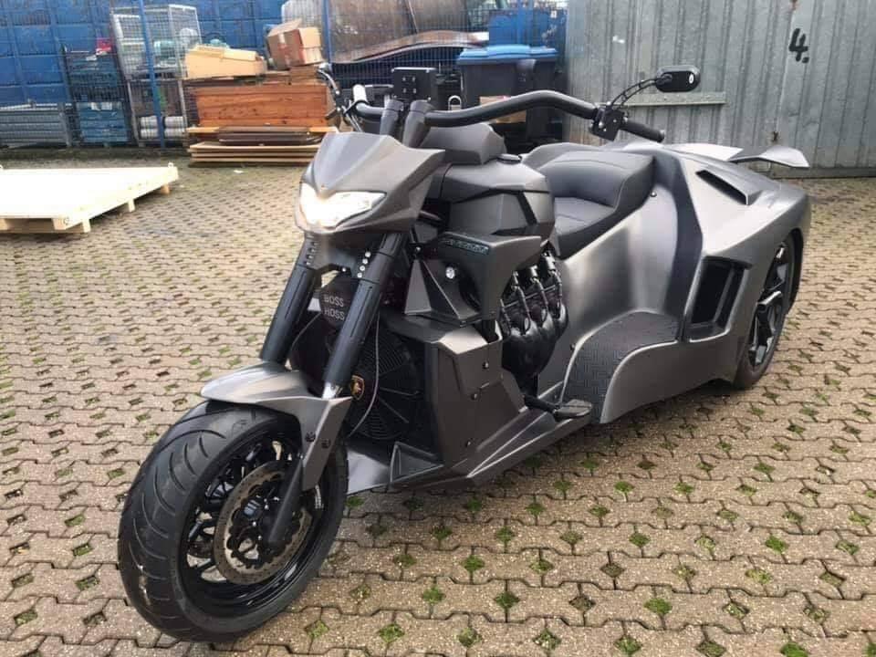 Siêu xe đầu mô tô, đuôi Lamborghini Aventador khiến dân chơi sửng sốt