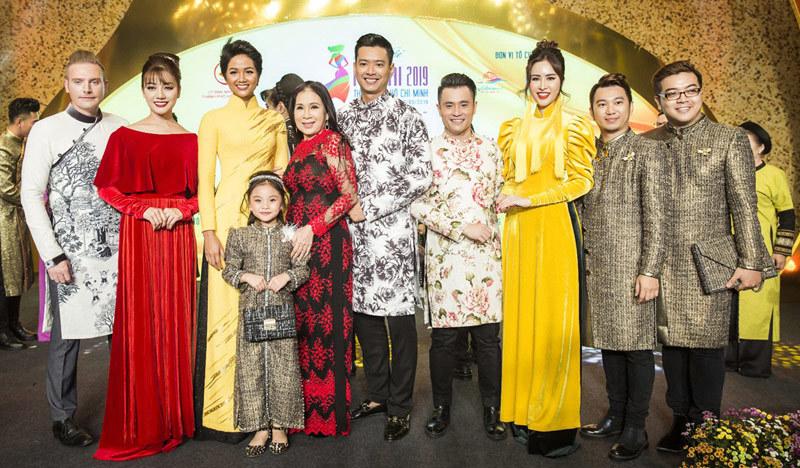 H'Hen Niê, Nhật Dũng rạng rỡ tại bế mạc 'Lễ hội áo dài 2019'