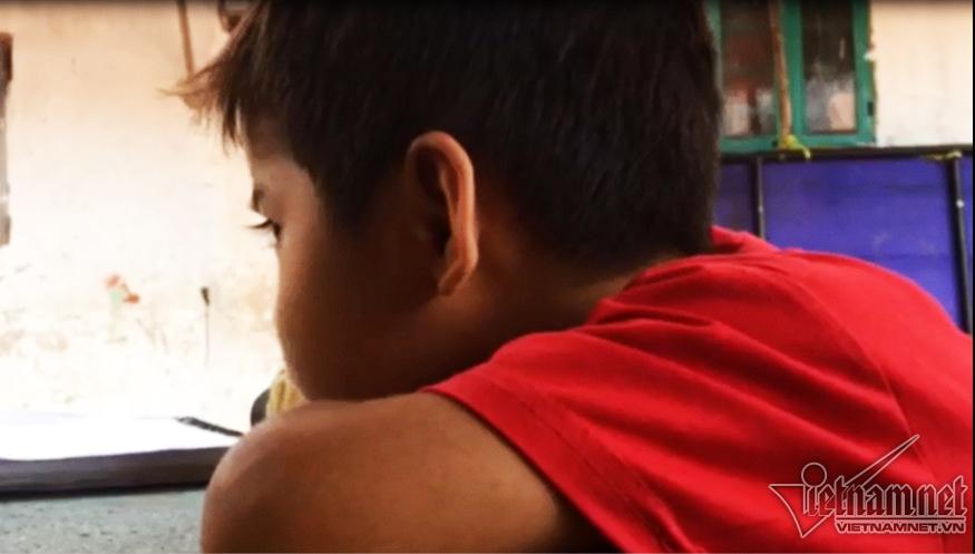 Xóm ngụ cư Sài Gòn: 'Con muốn đi học để được ăn cơm với thịt cá'